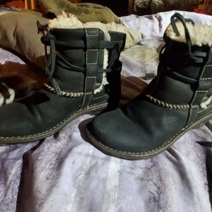Women's size 6 UGG Boots